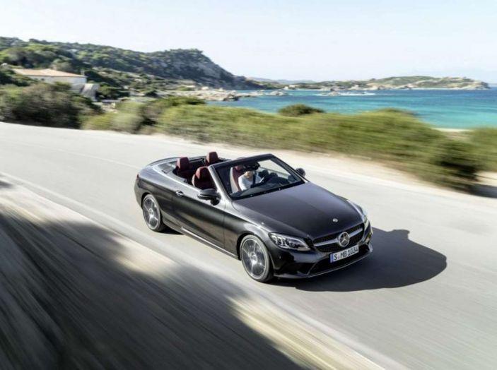 Mercedes Classe C Coupé e Cabrio 2018: più sportive ed efficienti - Foto 17 di 19