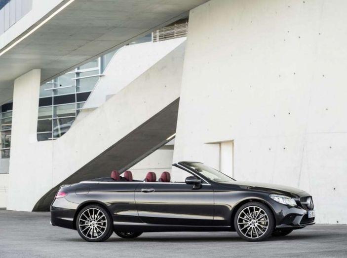 Mercedes Classe C Coupé e Cabrio 2018: più sportive ed efficienti - Foto 10 di 19