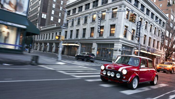 La MINI d'epoca diventa elettrica al Salone di New York - Foto 3 di 23