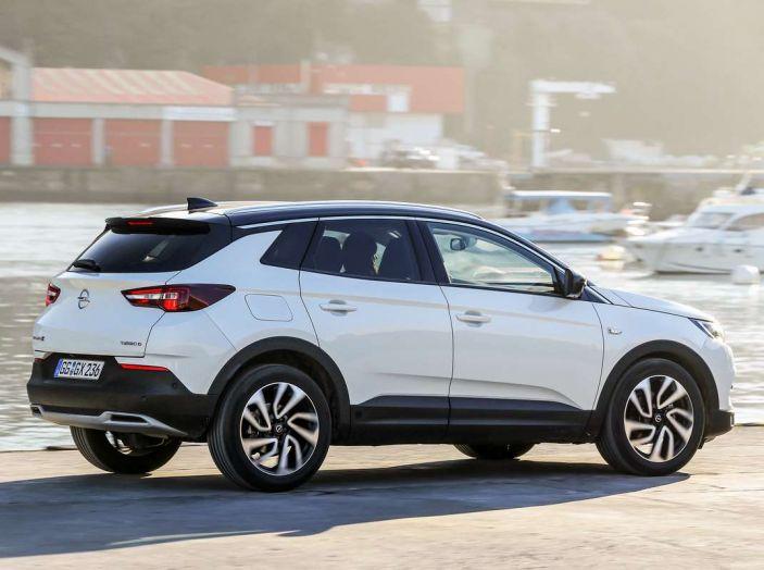 Opel Grandland X prova su strada, motorizzazioni e consumi - Foto 3 di 27