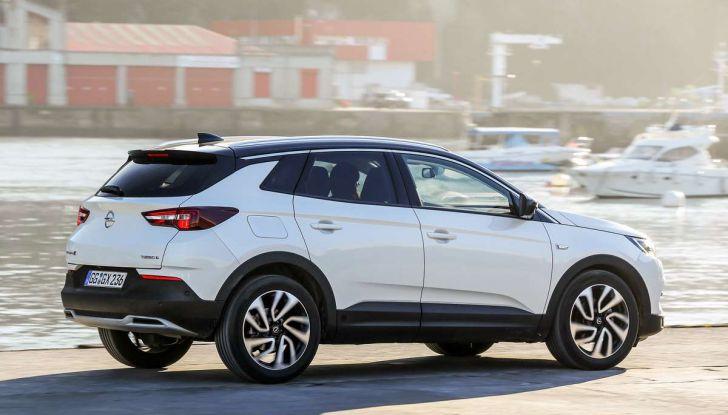 Opel Grandland X prova su strada, motorizzazioni e consumi - Foto 2 di 26