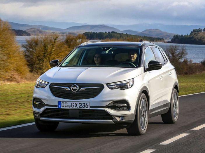 Opel Grandland X prova su strada, motorizzazioni e consumi - Foto 2 di 27