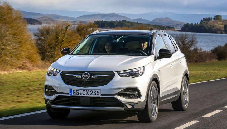 Opel Grandland X con nuovo motore 1.6 turbo benzina da 180 CV - Foto 1 di 26