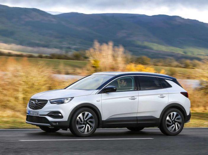 Opel Grandland X prova su strada, motorizzazioni e consumi - Foto 14 di 27