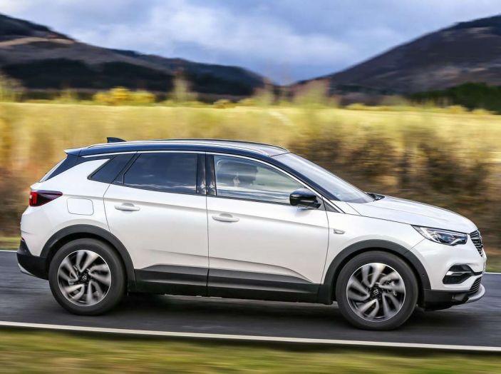 Opel Grandland X prova su strada, motorizzazioni e consumi - Foto 16 di 27