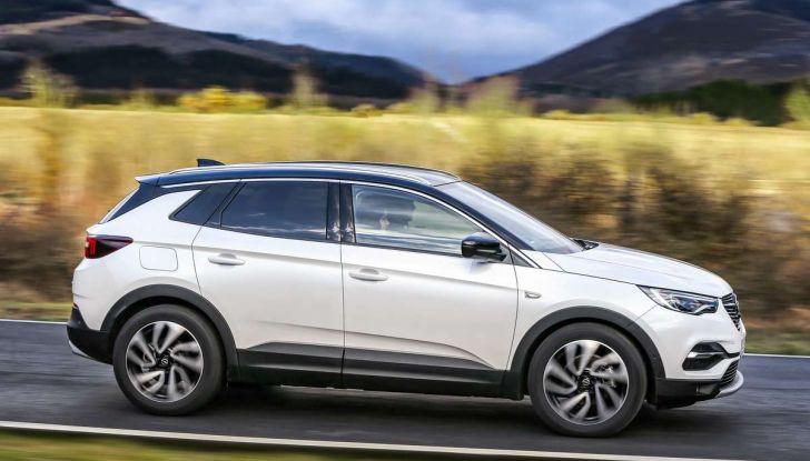 Opel Grandland X prova su strada, motorizzazioni e consumi - Foto 15 di 26