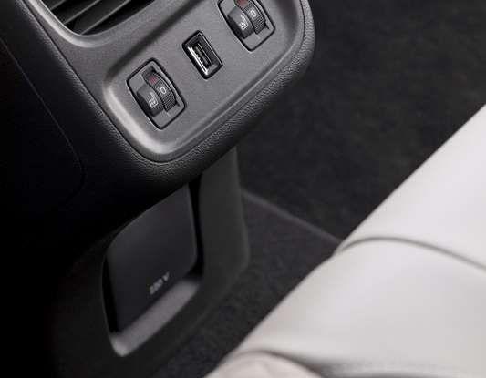 Opel Grandland X con nuovo motore 1.6 turbo benzina da 180 CV - Foto 16 di 26