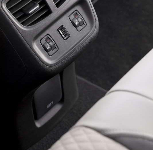 Opel Grandland X prova su strada, motorizzazioni e consumi - Foto 17 di 27