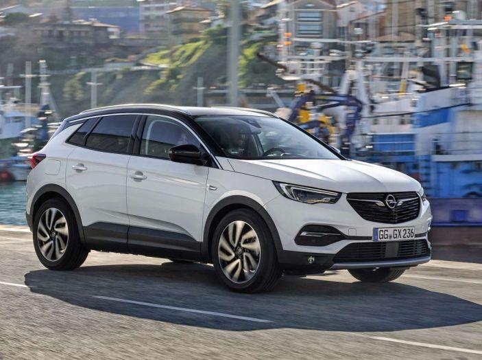 Opel Grandland X prova su strada, motorizzazioni e consumi - Foto 17 di 26