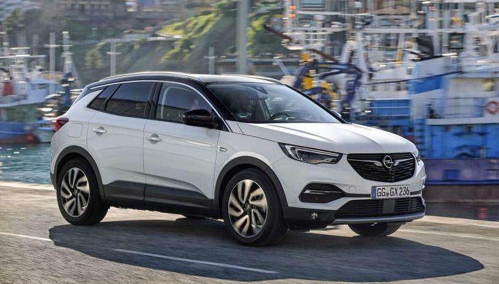 Opel Grandland X con nuovo motore 1.6 turbo benzina da 180 CV - Foto 17 di 26