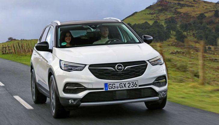 Opel Grandland X con nuovo motore 1.6 turbo benzina da 180 CV - Foto 18 di 26