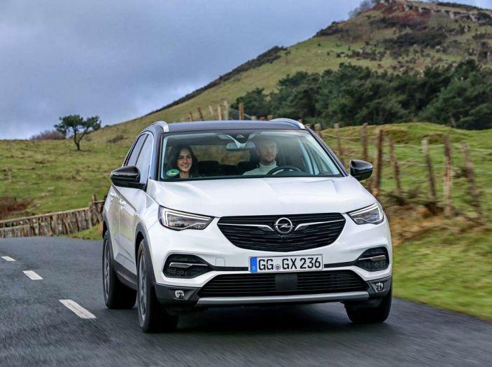 Opel Grandland X prova su strada, motorizzazioni e consumi - Foto 21 di 27