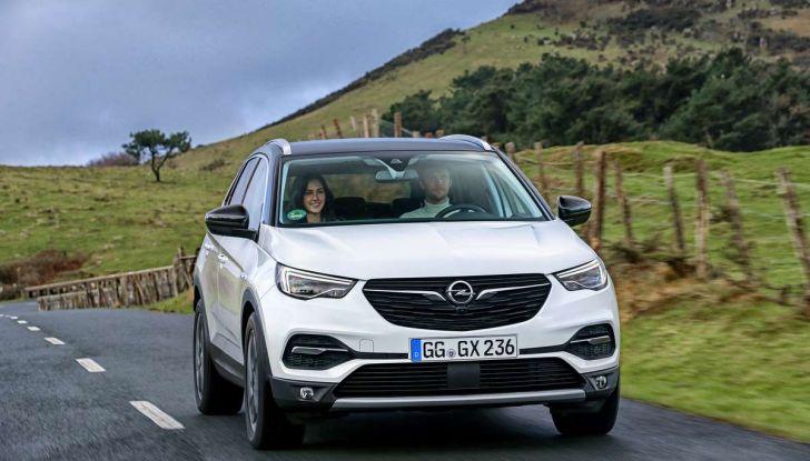 Opel Grandland X con nuovo motore 1.6 turbo benzina da 180 CV - Foto 20 di 26