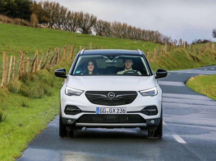 Opel Grandland X prova su strada, motorizzazioni e consumi - Foto 22 di 27