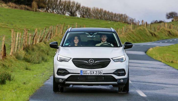 Opel Grandland X prova su strada, motorizzazioni e consumi - Foto 21 di 26