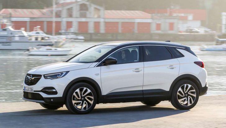 Opel Grandland X prova su strada, motorizzazioni e consumi - Foto 4 di 26