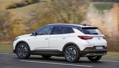 Opel Grandland X con nuovo motore 1.6 turbo benzina da 180 CV
