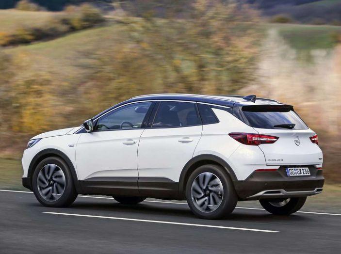 Opel Grandland X prova su strada, motorizzazioni e consumi - Foto 23 di 27