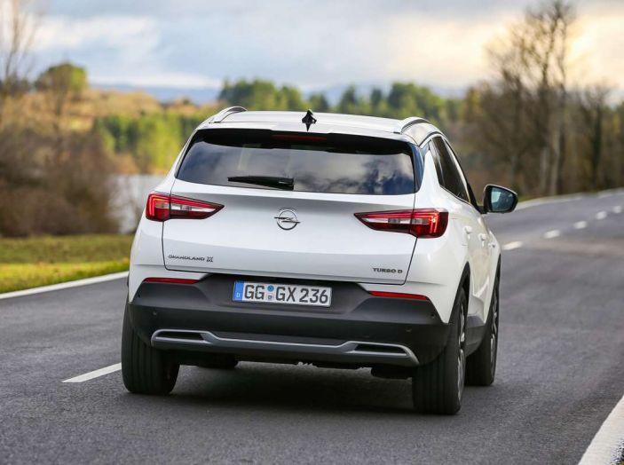 Opel Grandland X prova su strada, motorizzazioni e consumi - Foto 26 di 27
