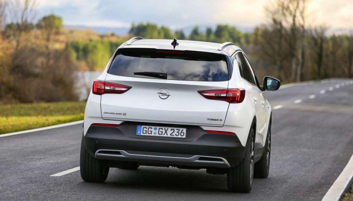 Opel Grandland X con nuovo motore 1.6 turbo benzina da 180 CV - Foto 25 di 26