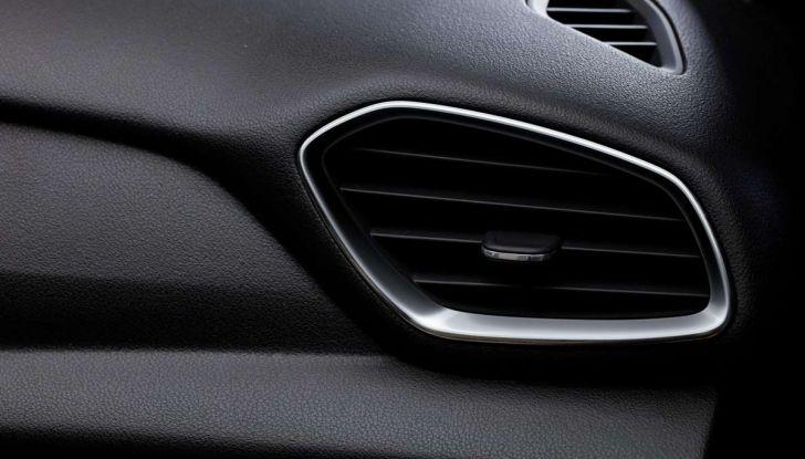 Opel Grandland X con nuovo motore 1.6 turbo benzina da 180 CV - Foto 23 di 26