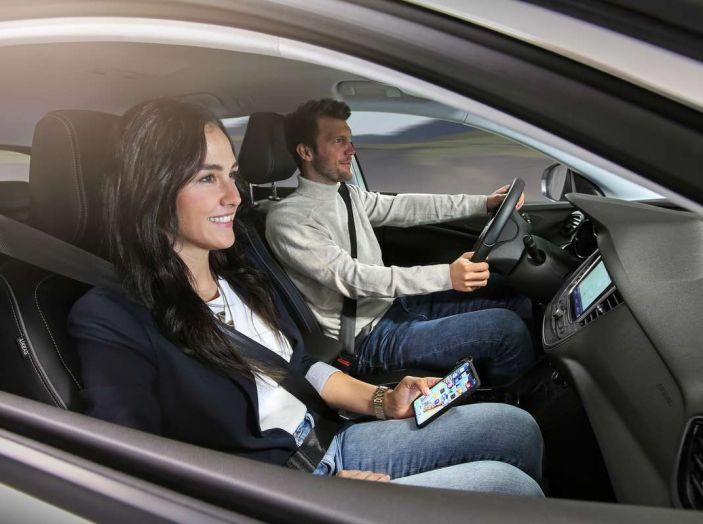 Opel Grandland X prova su strada, motorizzazioni e consumi - Foto 20 di 27