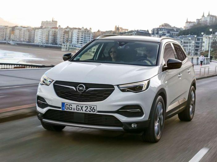 Opel Grandland X prova su strada, motorizzazioni e consumi - Foto 10 di 27