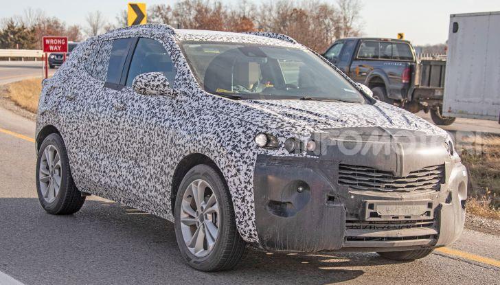 Opel Mokka X 2019, la nuova generazione impegnata nei test - Foto 5 di 21