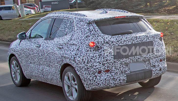 Opel Mokka X 2019, la nuova generazione impegnata nei test - Foto 14 di 21