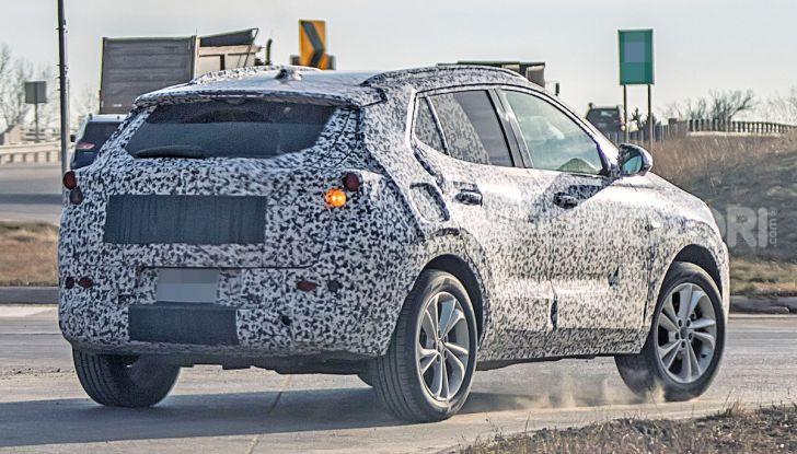 Opel Mokka X 2019, la nuova generazione impegnata nei test - Foto 3 di 21