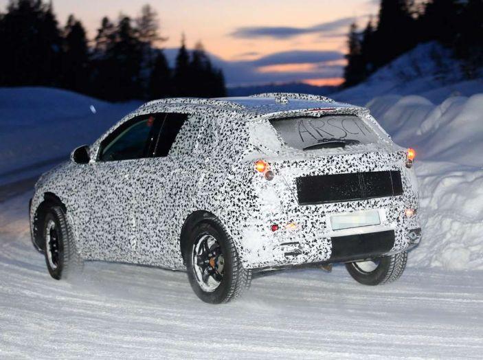 Opel Mokka X 2019, la nuova generazione impegnata nei test - Foto 2 di 6