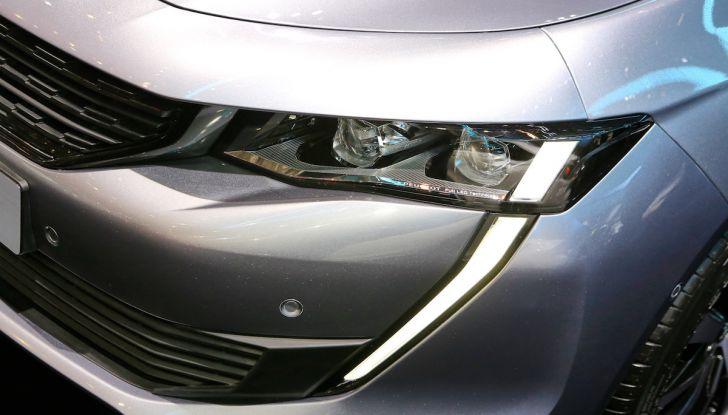 Peugeot dà il via alla rivoluzione elettrica - Foto 2 di 20