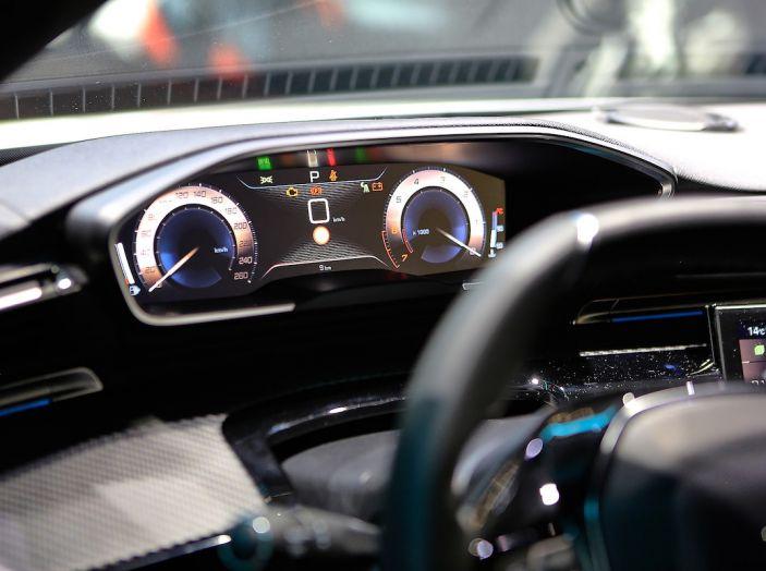 Peugeot 508 2018, la berlina del Leone per rinnovare il segmento - Foto 18 di 20