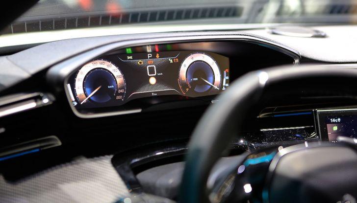 Peugeot dà il via alla rivoluzione elettrica - Foto 18 di 20