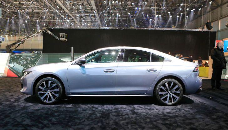 Peugeot dà il via alla rivoluzione elettrica - Foto 4 di 20