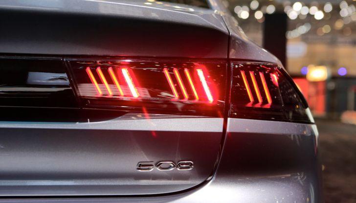 Peugeot dà il via alla rivoluzione elettrica - Foto 8 di 20