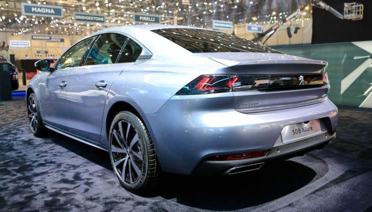 Peugeot dà il via alla rivoluzione elettrica - Foto 9 di 20