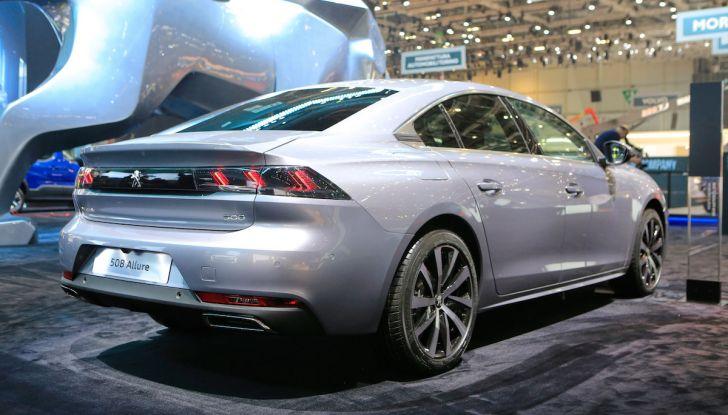 Peugeot dà il via alla rivoluzione elettrica - Foto 10 di 20