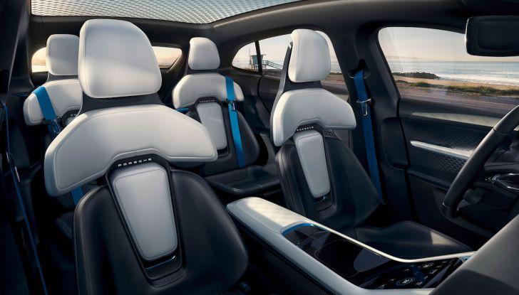 Porsche Taycan, questo il nome della 100% elettrica Mission E - Foto 11 di 34