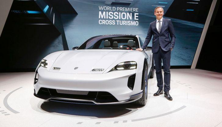 Porsche Mission E Cross Turismo 2018, il crossover elettrico di Stoccarda - Foto 7 di 34