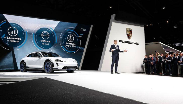 Porsche Taycan, questo il nome della 100% elettrica Mission E - Foto 18 di 34