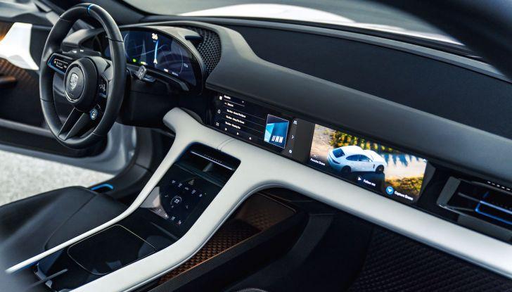 Porsche Taycan, questo il nome della 100% elettrica Mission E - Foto 12 di 34