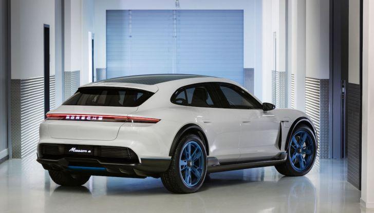 Porsche Mission E Cross Turismo 2018, il crossover elettrico di Stoccarda - Foto 9 di 34