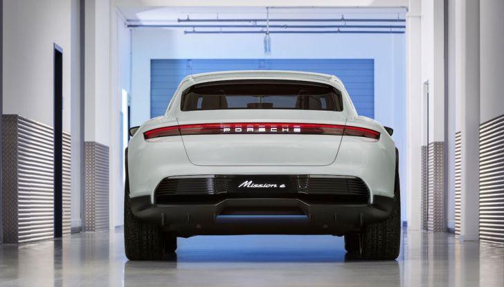 Porsche Taycan, questo il nome della 100% elettrica Mission E - Foto 10 di 34