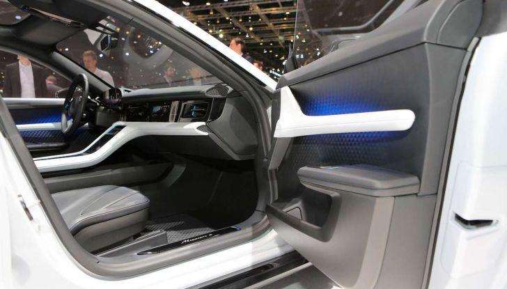 Porsche Mission E Cross Turismo 2018, il crossover elettrico di Stoccarda - Foto 28 di 34