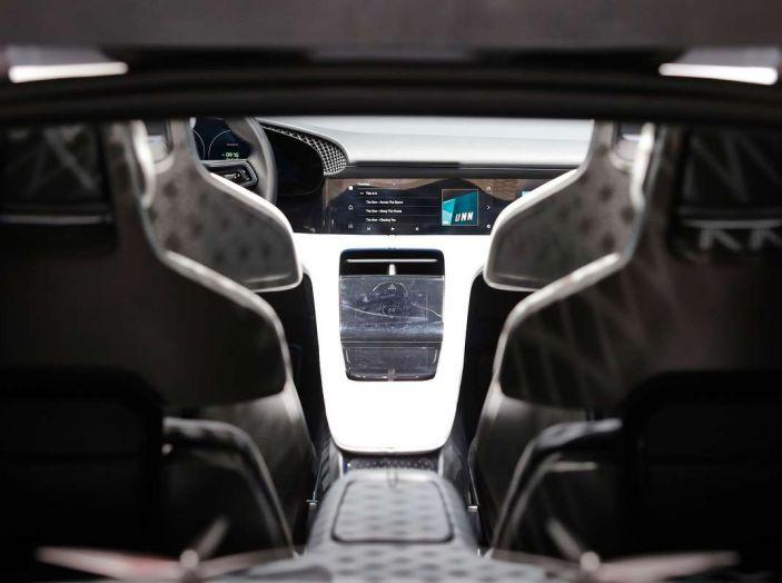 Porsche Mission E Cross Turismo 2018, il crossover elettrico di Stoccarda - Foto 30 di 34