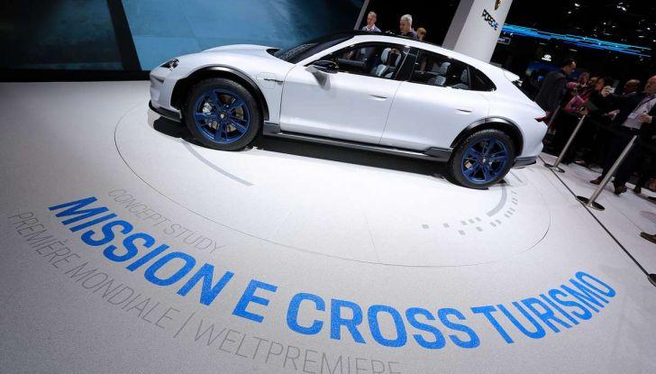 Porsche Mission E Cross Turismo 2018, il crossover elettrico di Stoccarda - Foto 21 di 34