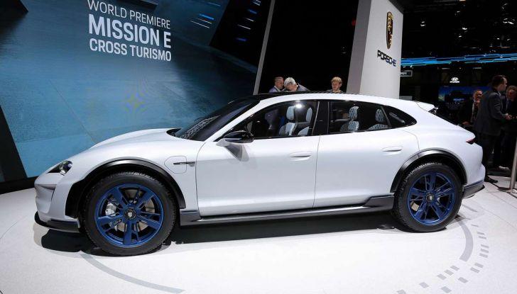 Porsche Mission E Cross Turismo 2018, il crossover elettrico di Stoccarda - Foto 22 di 34