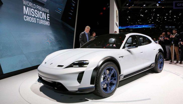 Porsche Taycan, questo il nome della 100% elettrica Mission E - Foto 1 di 34