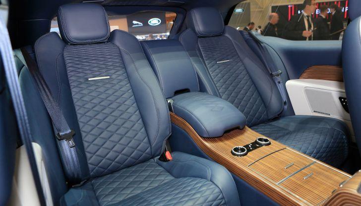 Range Rover SV Coupé 2018: 999 esemplari per il 70° anniversario - Foto 10 di 16